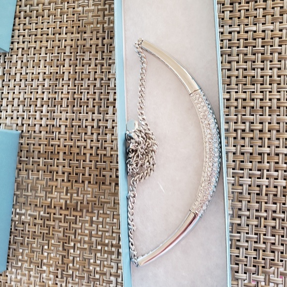 ef104d67f89b36 White Collar Necklace by Touchstone Crystal